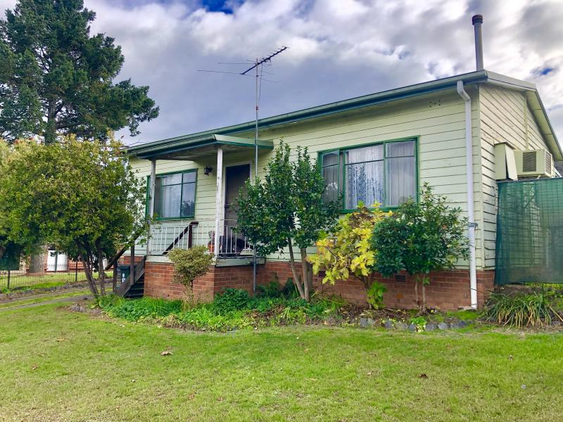 23 MITCHELL AVENUE, KHANCOBAN, NSW 2642
